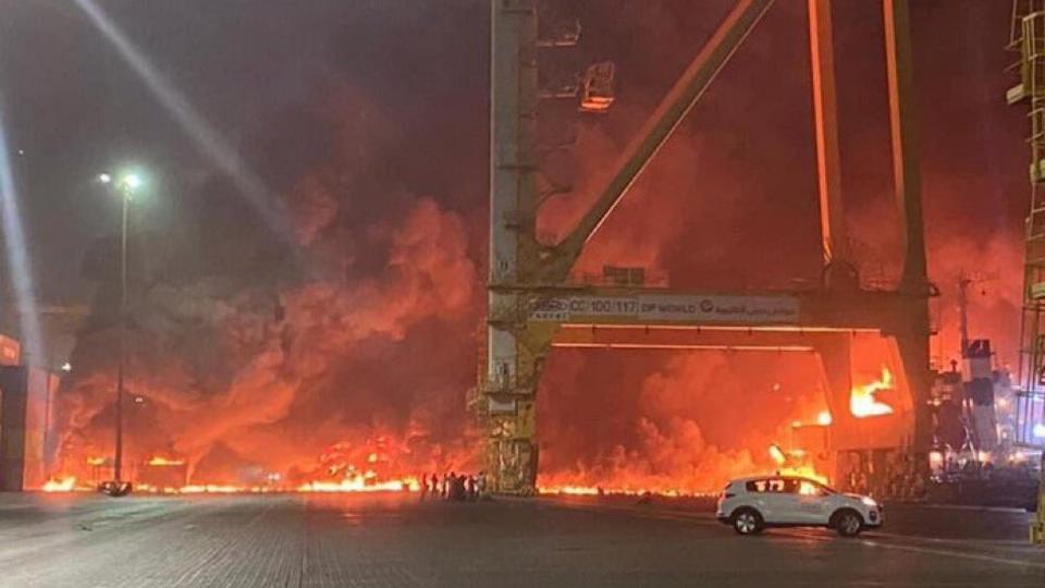 Мощный взрыв прогремел в Дубае
