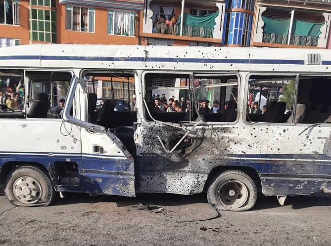 В Кабуле взорвали автобус с госслужащими