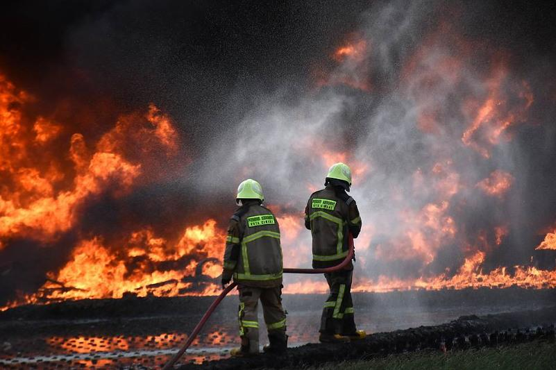 В Иле-Алатауском нацпарке тушат пожар третьи сутки