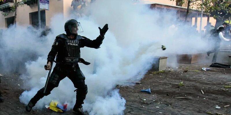 Более 100 человек погибли в тюрьме Эквадора