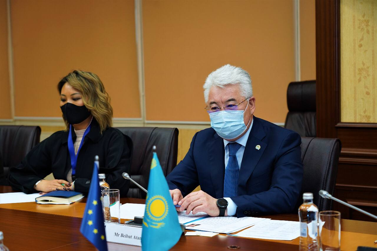 Глава МИИР встретился с Послом Европейского союза в Казахстане и делегацией Европейской Комиссии