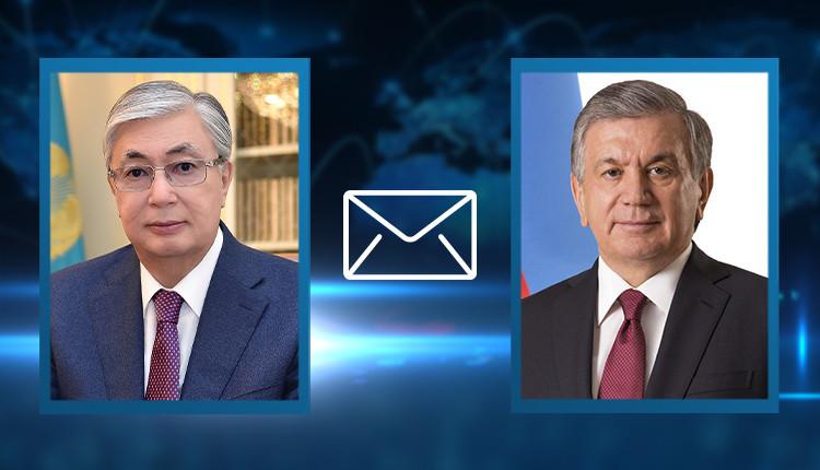Президент Казахстана поздравил Узбекистан с 30-летием независимости