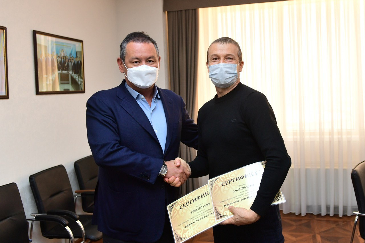 Данияр Абулгазин премировал Анастасию Лаврову и ее тренера за завоевание олимпийской лицензии