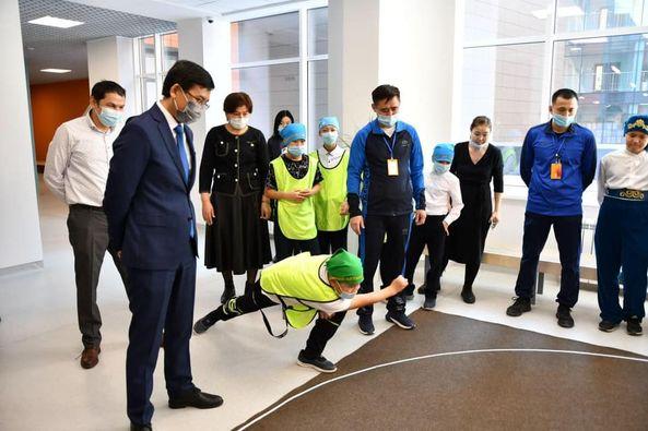Глава МОН РК принял участие в открытии Национальной школьной спортивной лиги