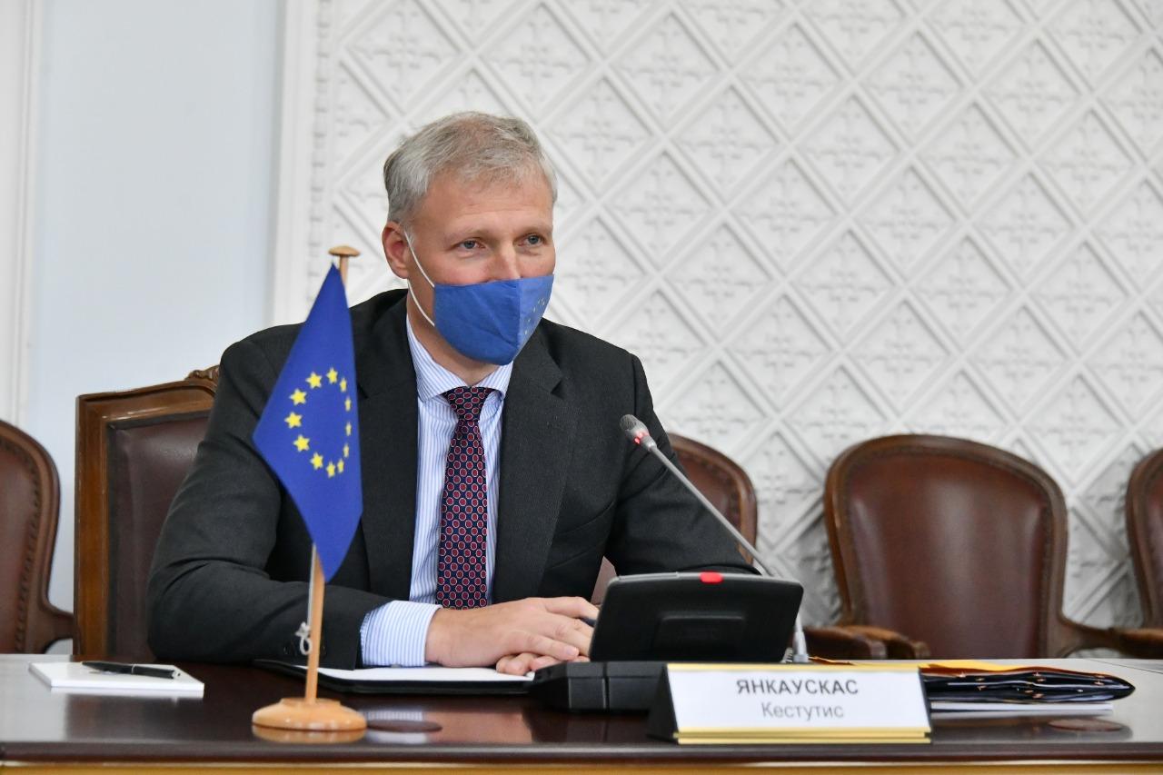 Какие вопросы обсудили аким Алматы и глава представительства ЕС в РК