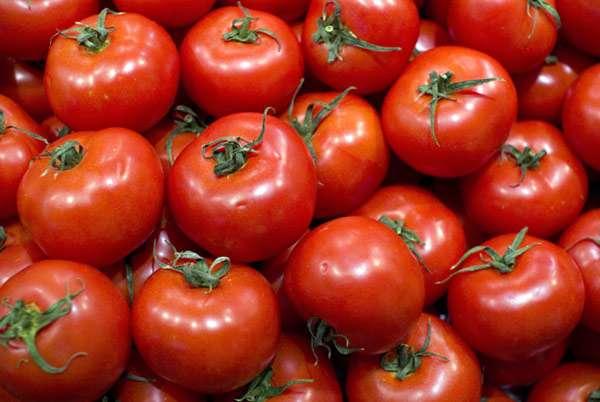 Казахстан временно запретил ввоз томатов из Азербайджана