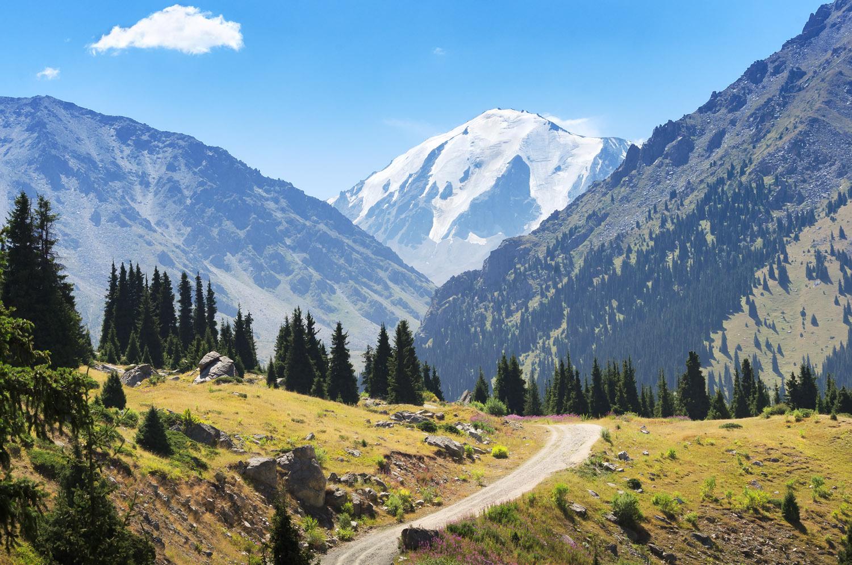 """В алматинских горах установят хижины с """"тревожными"""" кнопками"""