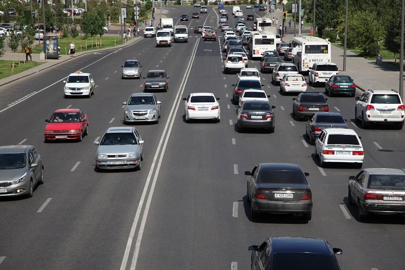 В Казахстане увеличилось число зарегистрированных автомобилей