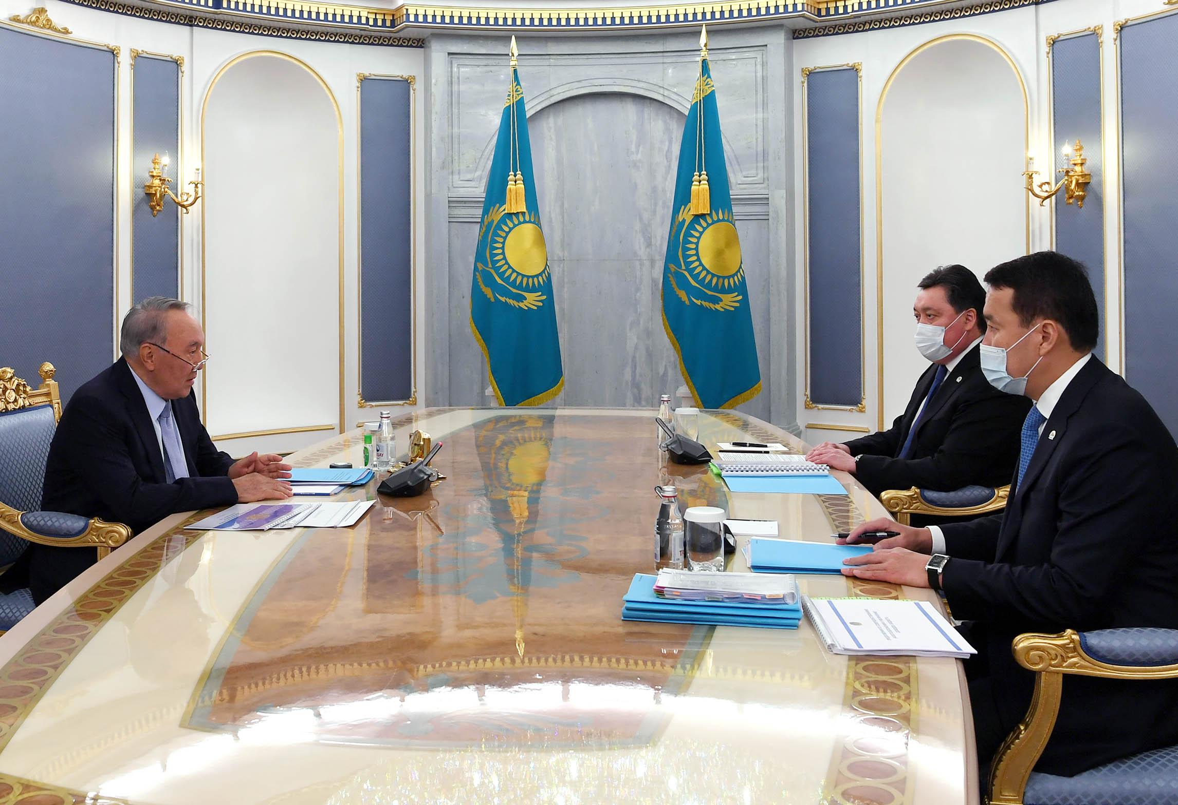 Нурсултан Назарбаев принял Аскара Мамина и Алихана Смаилова