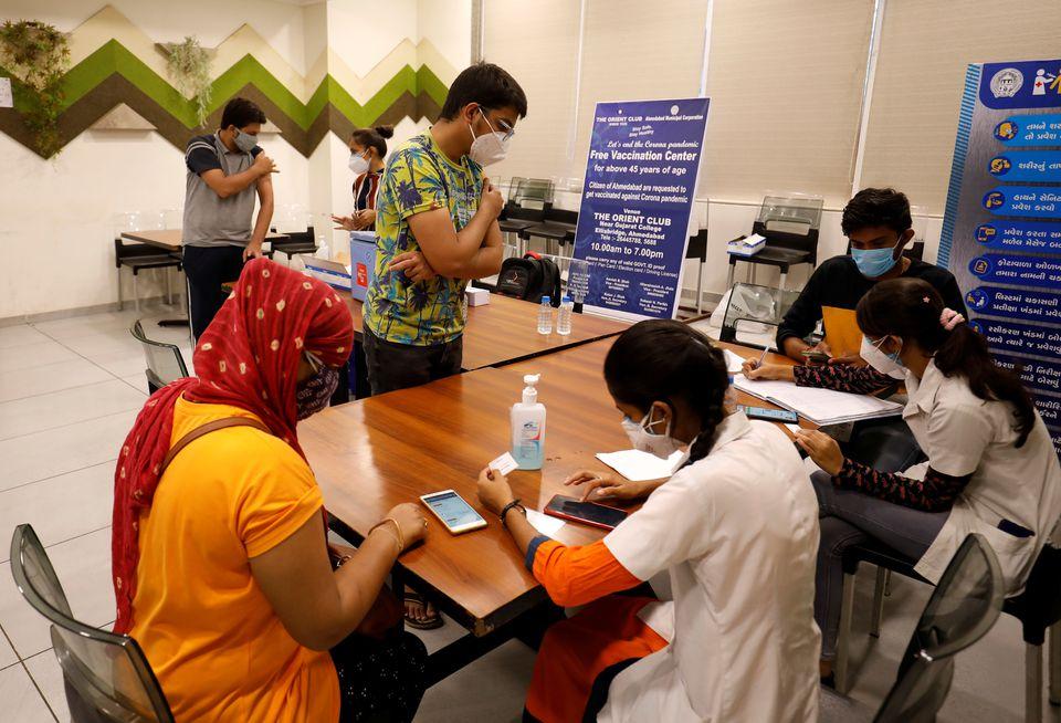Индийские ученые изучают мутации вирусов