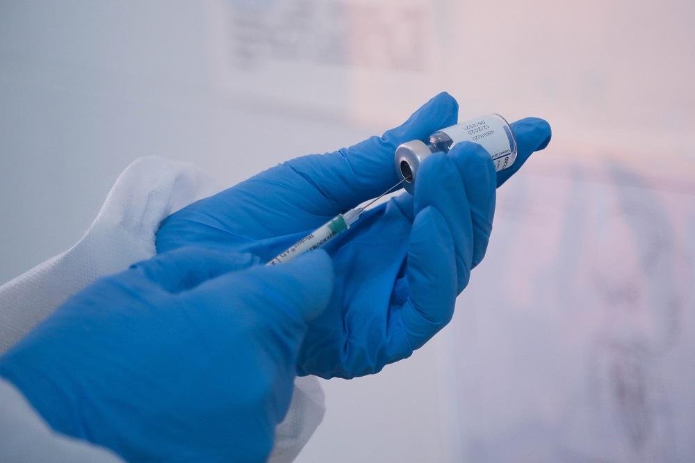 Получившие прививку в ТЦ «Евразия» горожане не уйдут с пустыми руками