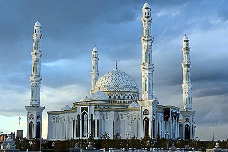 В мечетях Казахстана временно отменяют проповеди перед пятничным намазом