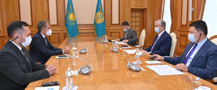 Глава государства принял вице-президента компании Linde Group Оливера Пфанна