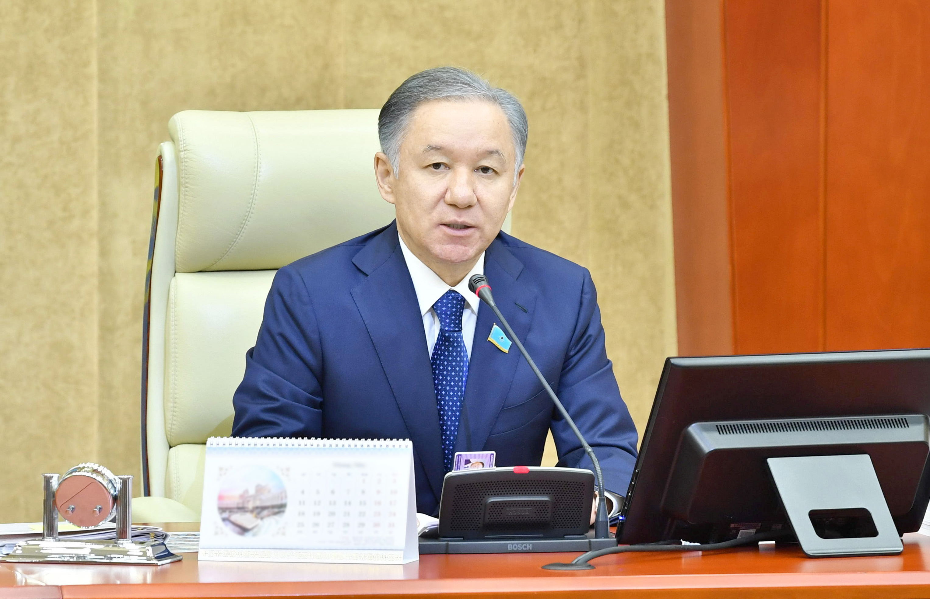 Спикер мажилиса Казахстана созвал парламент страны на совместное заседание