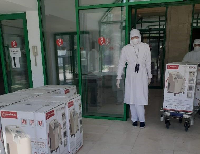 В Нур-Султан доставили очередную партию лекарств от COVID-19