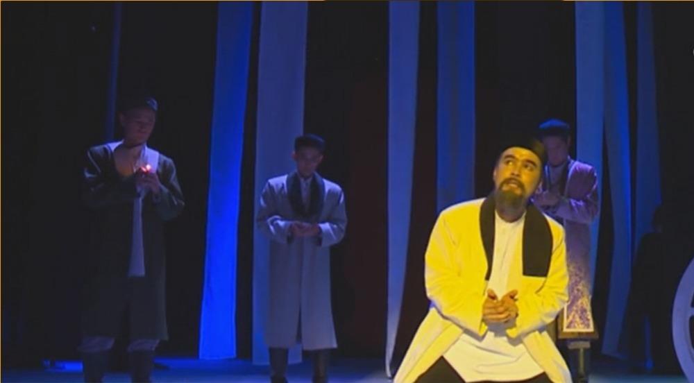 Абайдың трагифарс драмасының тұсауы кесілді