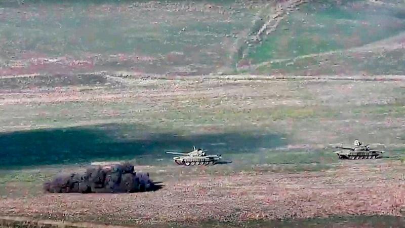 В Азербайджане введены военное положение и комендантский час