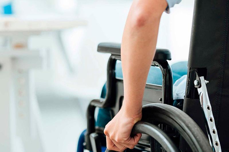 Более 300 тыс. услуг получили лица с инвалидностью через портал соцуслуг