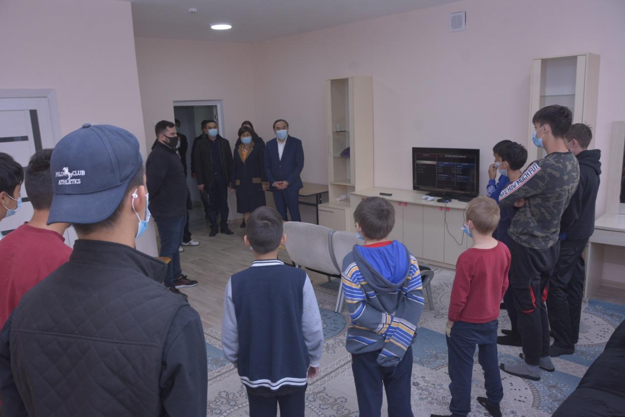 Ержан Бабакумаров посетил Центр адаптации несовершеннолетних города Алматы