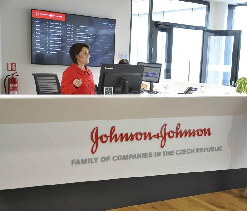 Компанию Johnson & Johnson обвиняют в тысячах смертей