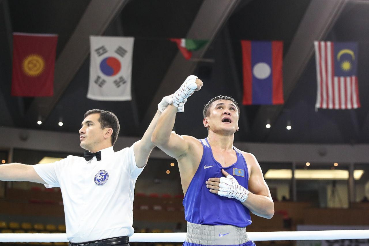 Казахстанский боксер завоевал золотую медаль на чемпионате Азии