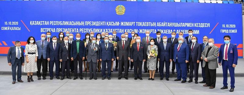 Президент провел встречу с абаеведами