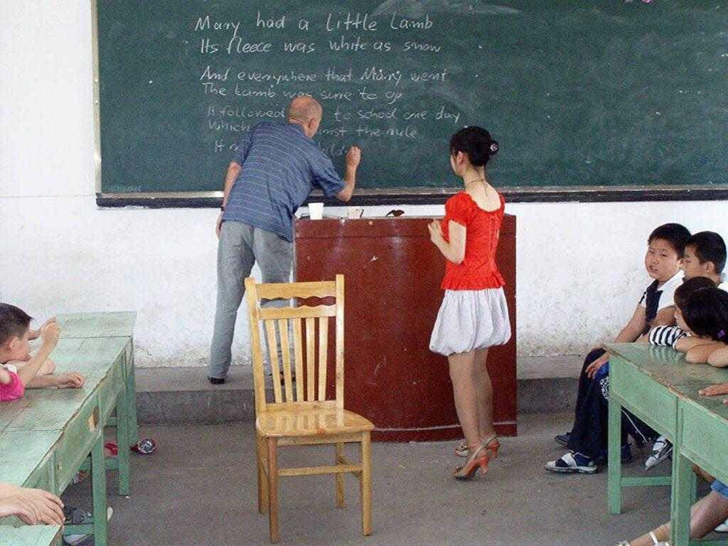 Что власти Китая намерены требовать от учителей