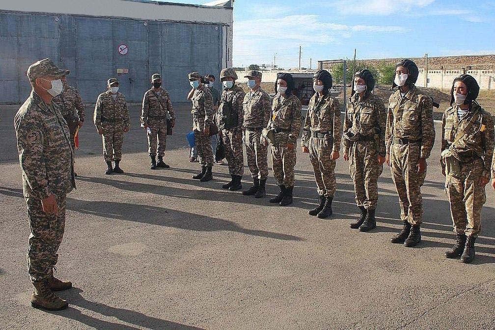 Замминистра обороны проверил воинские части ряда регионов