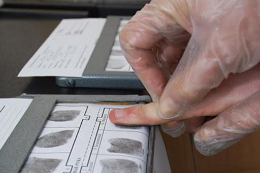 Дактилоскопия станет обязательной для мигрантов в РФ с 29 декабря