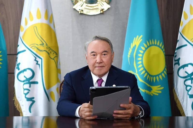Нурсултан Назарбаев принял участие в онлайн-голосовании в праймериз Nur Otan