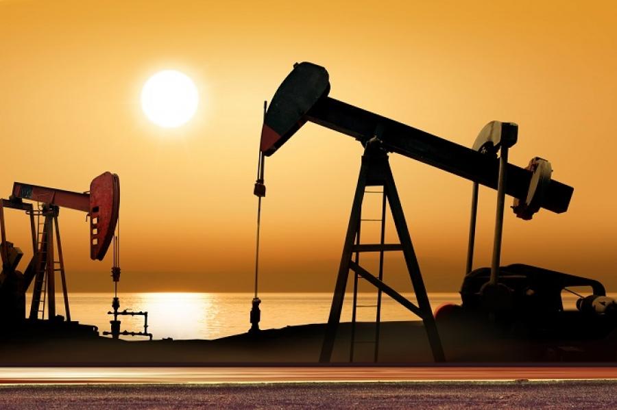 Нефть корректируется вверх на 7% после рекордного обвала накануне