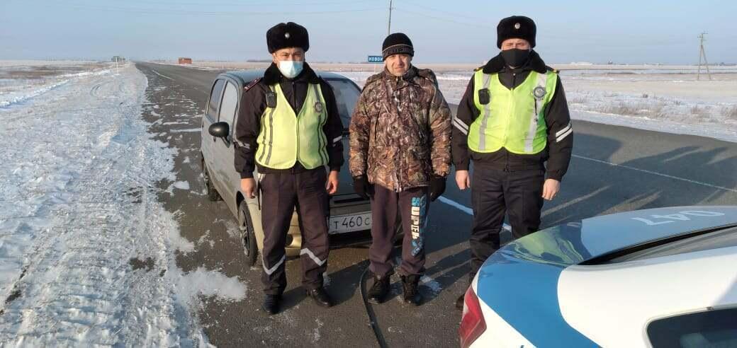 15 экипажей патрульных полицейских дежурят на трассах СКО