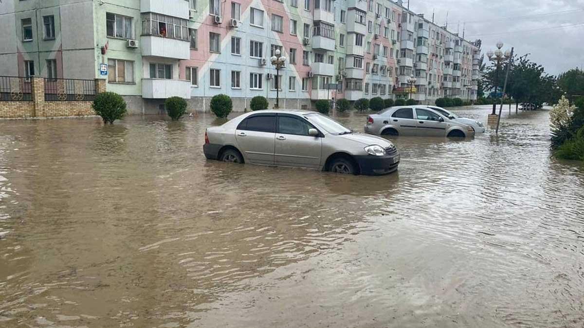 В Крыму из зон подтопления эвакуировали около 1,8 тыс. человек