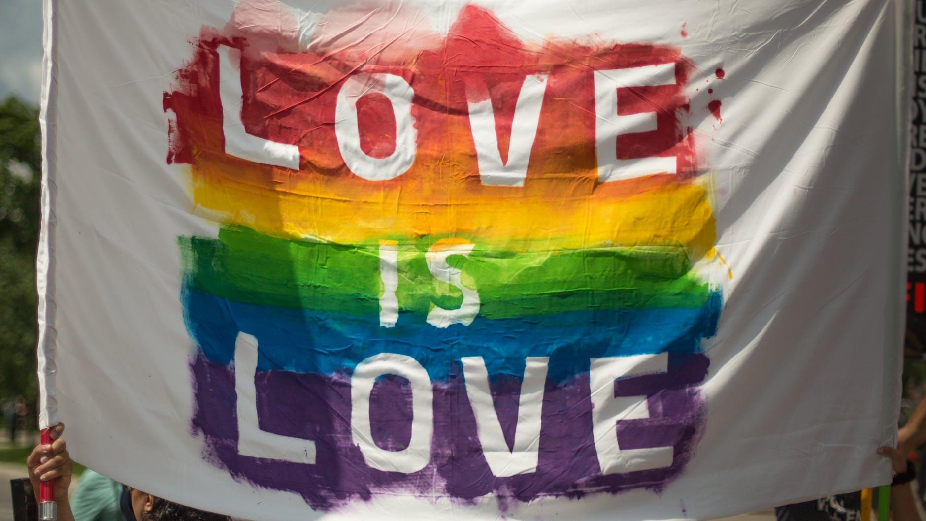 Карагандинцы не ласково встретили представителей ЛГБТ-сообщества
