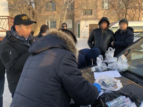 """Ряд руководителей """"Казгидромета"""" задержан по подозрению в получении взятки в особо крупном размере"""