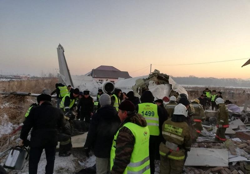 До выяснения обстоятельств крушения самолета Bek Air близ Алматы полеты Fokker-100 приостановлены