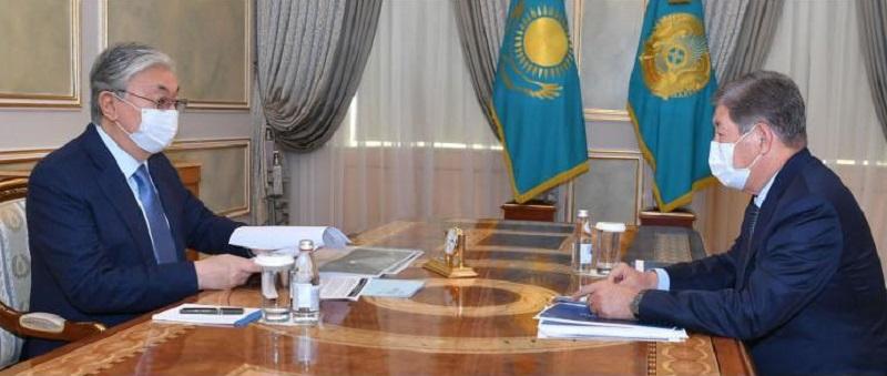 О чем Касым-Жомарт Токаев говорил с Ахметжаном Есимовым