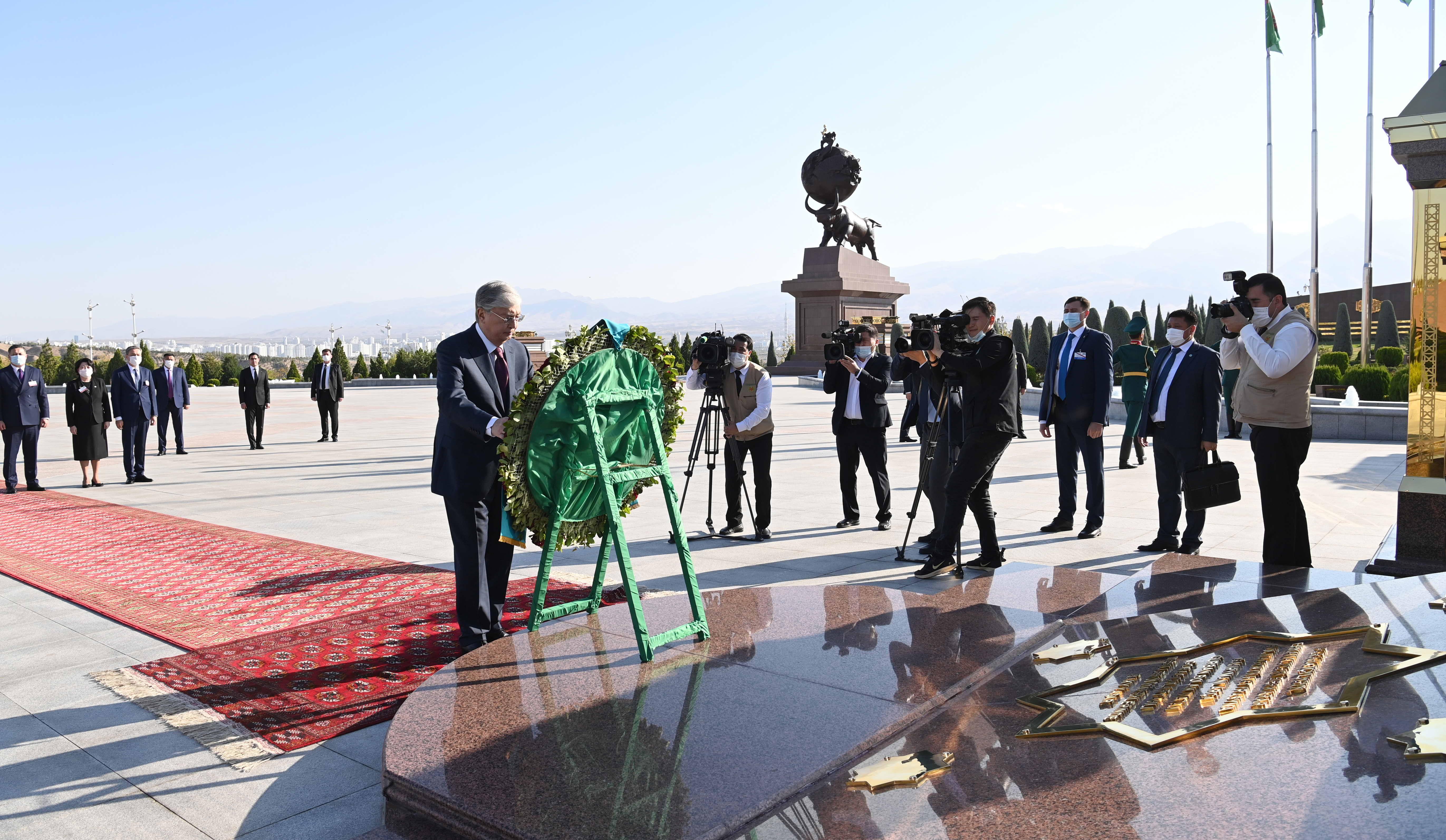Что посетил Токаев в Ашхабаде
