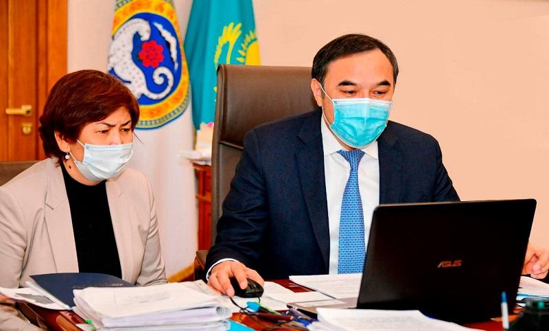 Ержан Бабакумаров провел совещание с директорами школ