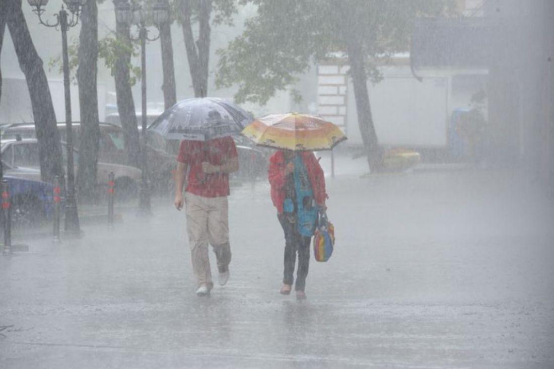 В Нур-Султане и семи регионах объявили штормовое предупреждение