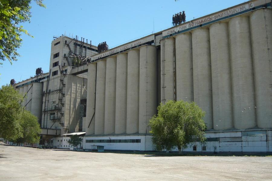 В резервы Карагандинской области засыпали более 12 тыс. тонн зерна