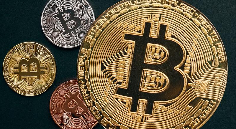 Наиболее популярные криптовалюты продолжают слабеть