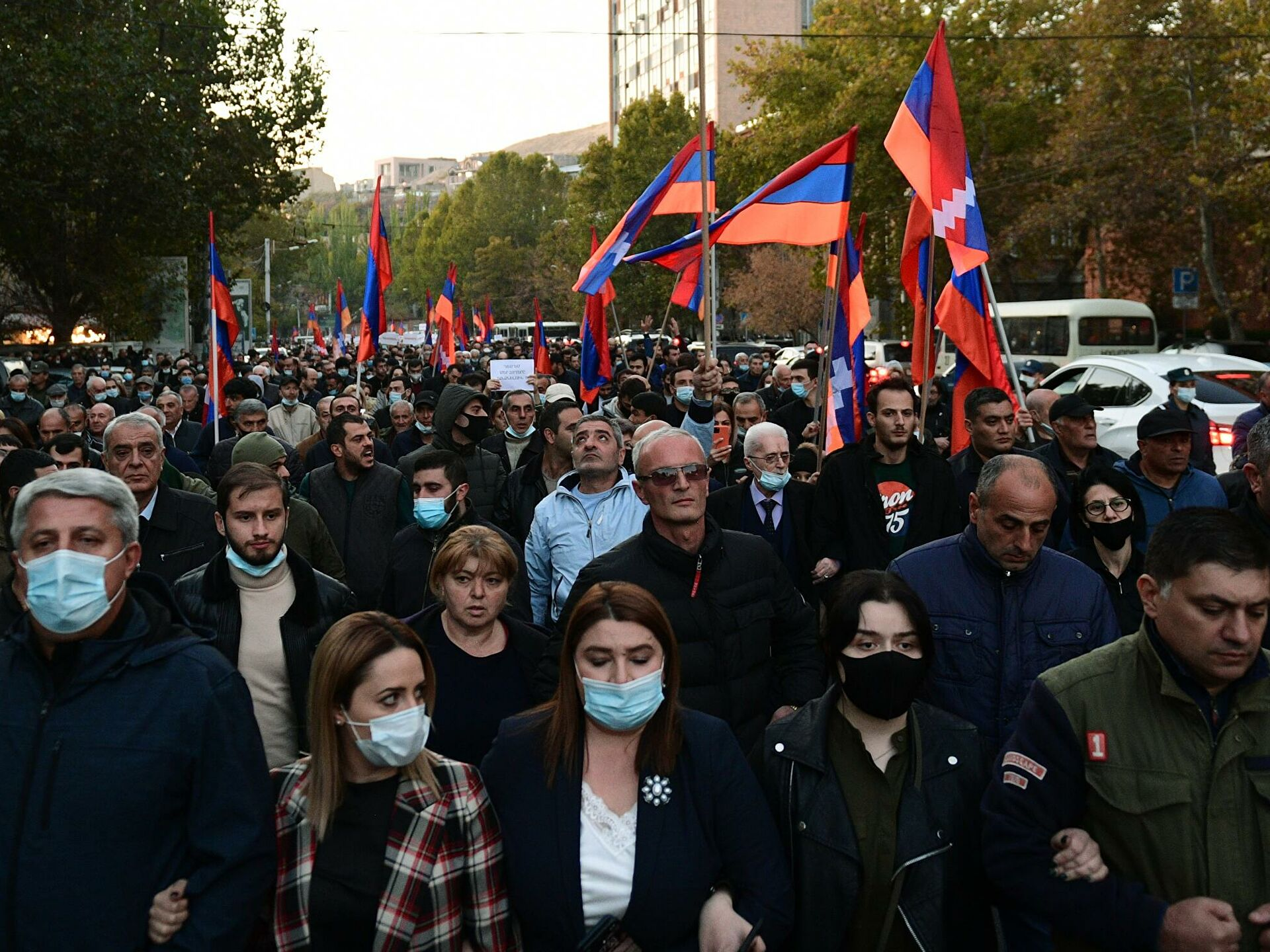 Митинг в Армении: сторонники экс-президента Кочаряна собрались у здания суда в Ереване