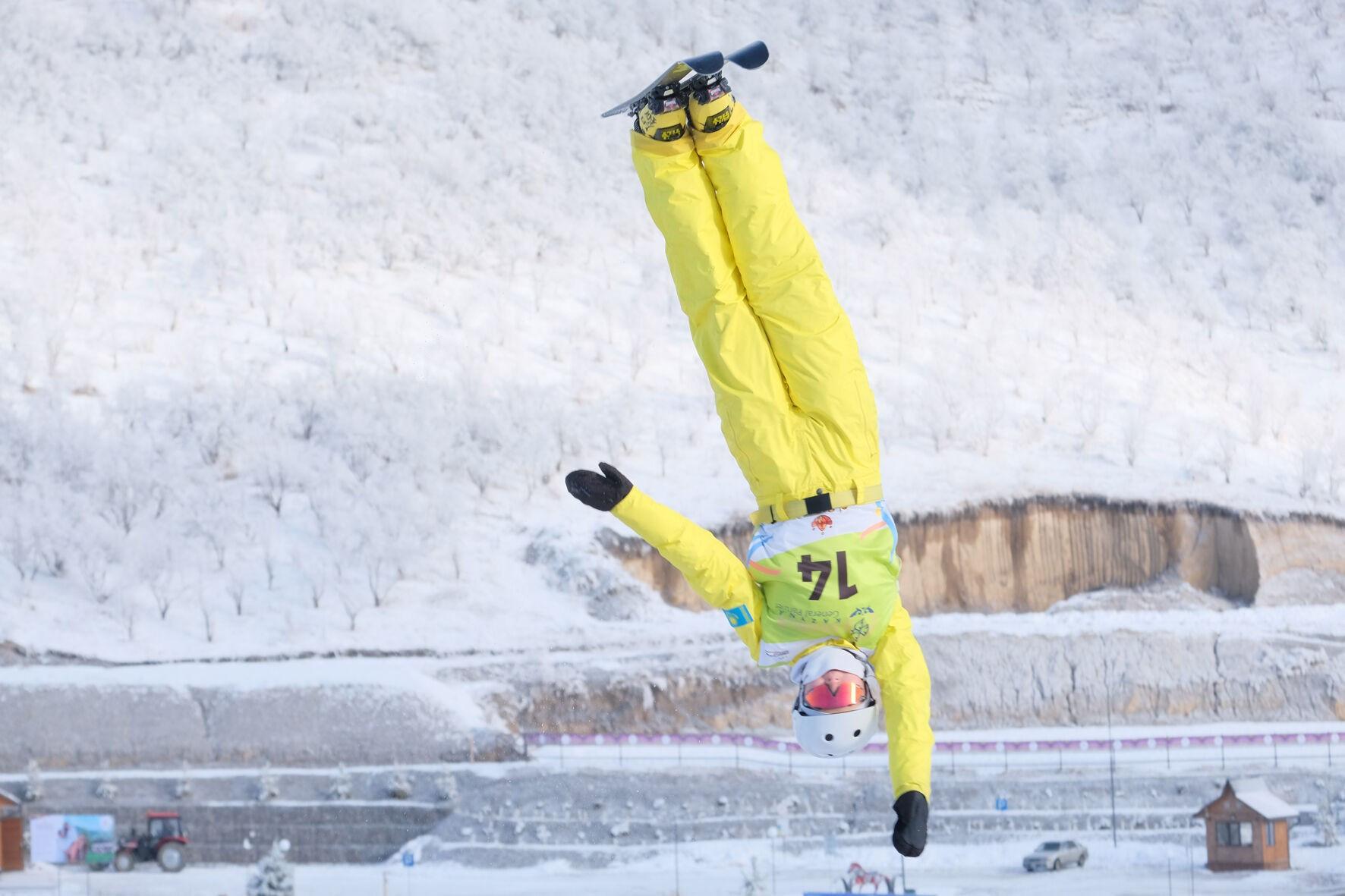 Команда Казахстана по лыжной акробатике выступит на московском этапе Кубка мира