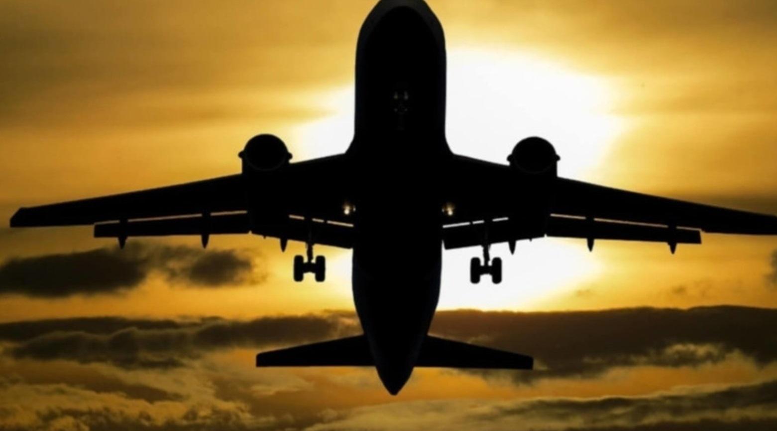 Пассажирский самолет разбился  возле Карачи в Пакистане