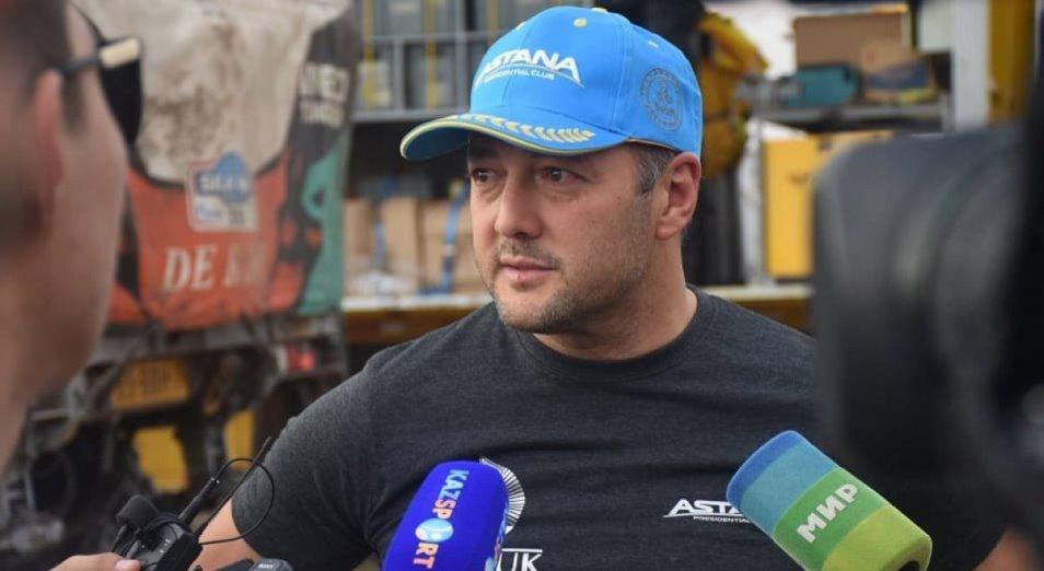 Казахстанский гонщик Артур Ардавичус продолжает скрываться