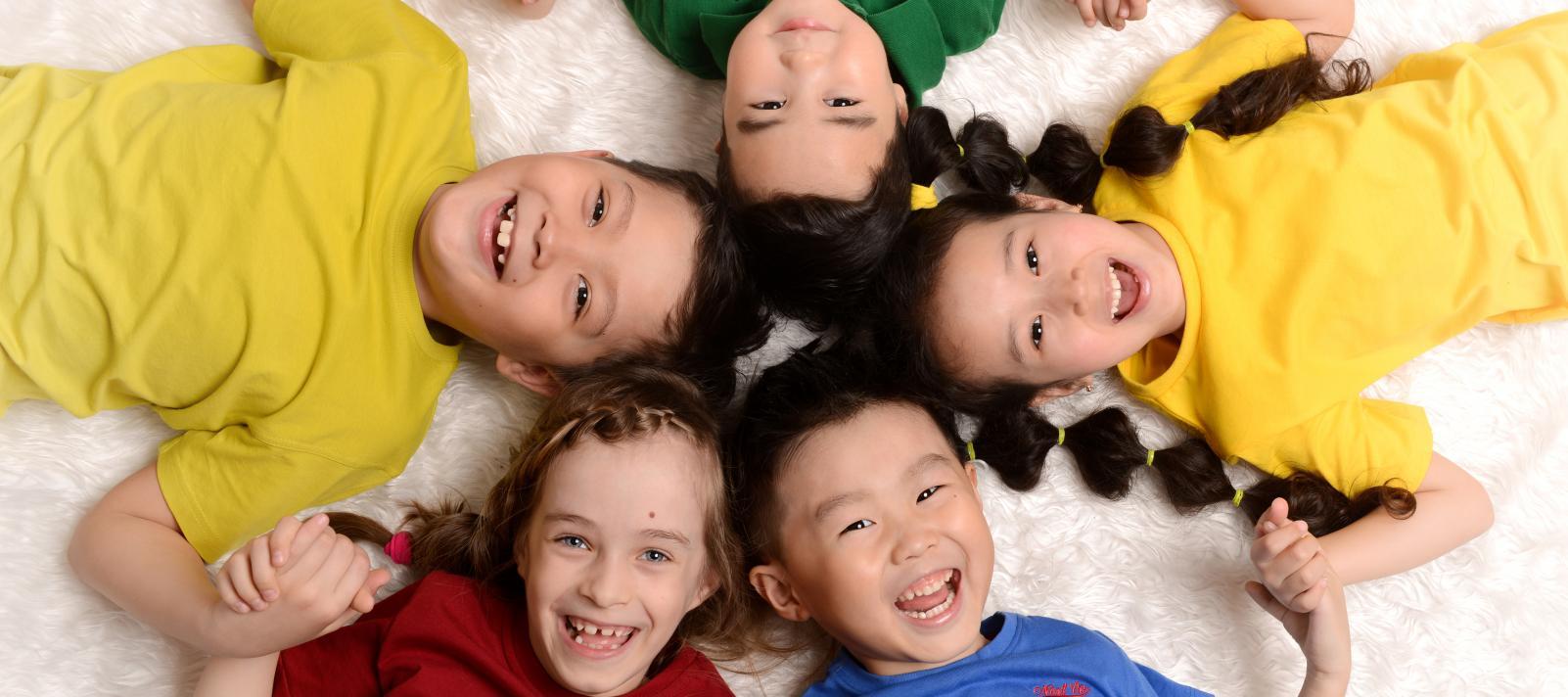 В Казахстане многодетными будут считаться семьи с четырьмя детьми и более – Минфин