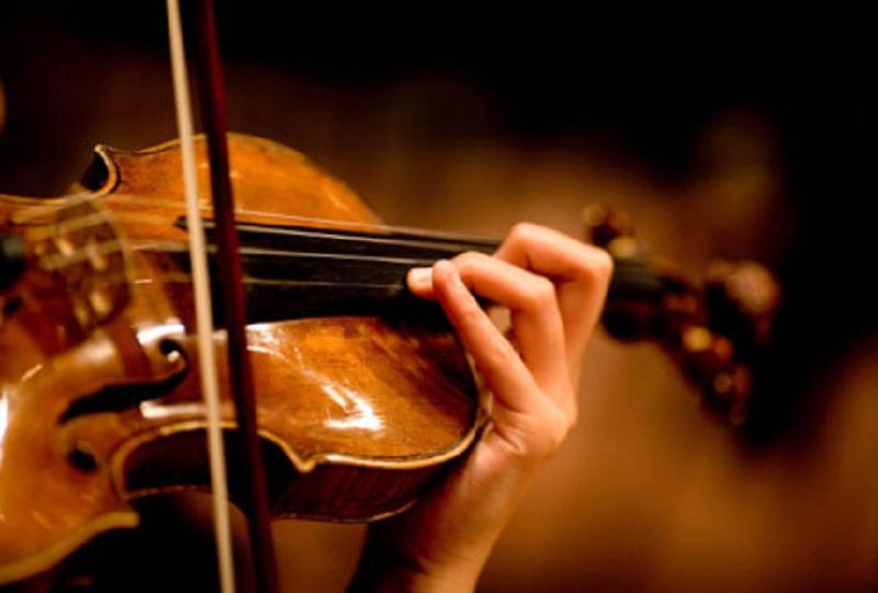 Студенческий оркестр Назарбаев Университета проводит онлайн-концерты