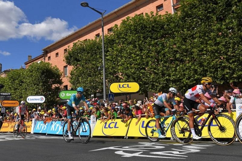 """Десятый этап """"Тур де Франс"""" стал трудным испытанием для команды """"Астана"""""""