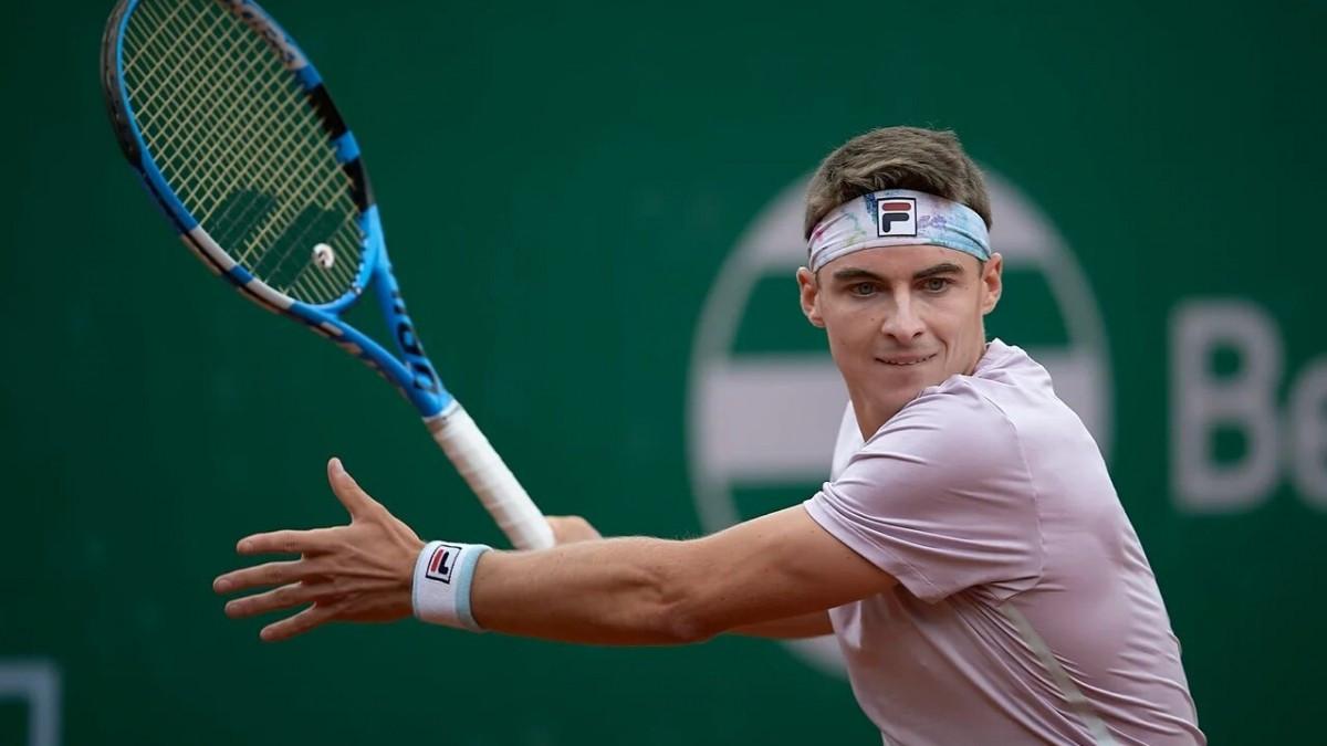 Тимофей Скатов вышел в 1/4 финала теннисного турнира в Киеве